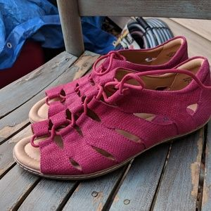 Earth Leather Rasberry Lace Up Sandals Size 7.5D